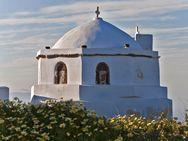 Turm einer typischen Kirche in Pyrgos (c) Tobias Schorr