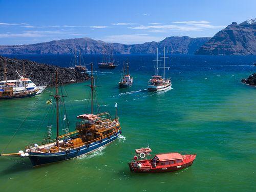 Auf Santorinreisen können Sie solche Aussichten genießen! Bucht auf Palia Kameni (c) Tobias Schorr
