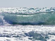 Bei bewegtem Meer gelingen solche Fotos (c) Tobias Schorr